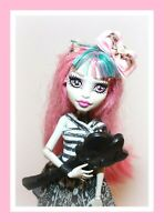 ❤️Monster High Rochelle Goyle FIRST WAVE 1 Gargoyle Dressed Doll Shoes Outfit❤️