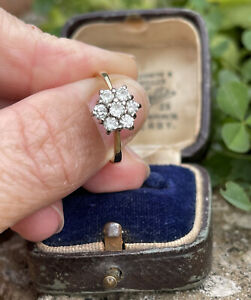 18ct Gold L Diamond Cluster Ring 2.8g. Ring Size L 1/2 Daisy Flower Over 1/2 Ct