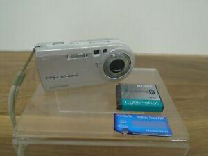 Sony Cyber-Shot DSC-P100 5.1MP Silver Digital Camera Carl Zeiss Lens Untested