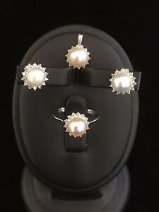Pearl Set(Ring, Earings, and Pendant)