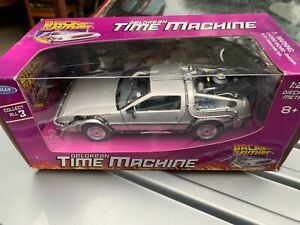 BACK TO THE FUTURE DELOREAN 1:24 SCALE, WELLY DIE CAST, NEW IN BOX