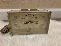 VTG Seth Thomas Lighted Dial Alarm Clock Electrical Clock Keeps Time!