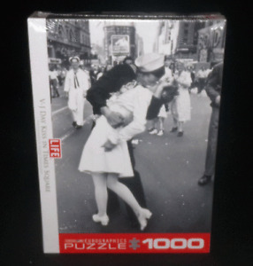 Eurographics Puzzle Life V-J Day Kiss In Times Square WWII !000 Pieces