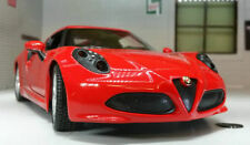 Voitures miniatures rouge pour Alfa Romeo