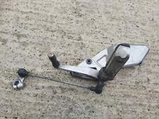 1994 Suzuki RF 600  gear lever & foot peg hanger