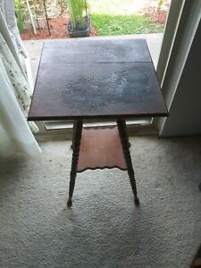"""""""Antique Wooden Oak Lamp/Fern Stand Spooled Legged Square Table"""""""