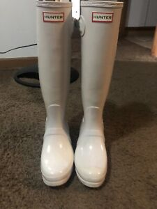 white hunter boots size 8-9