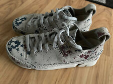 Ladies CLARKS Pale Grey Suede Trainers Lace Up Pumps Size 4 NEW