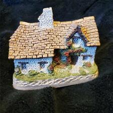 David Winter Cottages Sussex Cottage Figurine Great Britain 1982 Colllectable