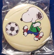 NEW SNOOPY Button Pin Collectible Soccer Football Cleats Kicking Sports Dog