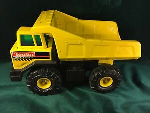 Tonka 1993 Mighty Diesel Construction Metal Toy Dump Truck ~Near Mint/Never Used