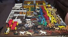 VINTAGE TIN ROY ROGERS DOUBLE R BAR RANCH PLAY SET Plus Lots of Extras