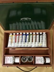 Windsor & Newton Oil Painting Box Set (barely Used) And In Exc Condition.