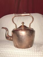 A Large Antique Victorian Copper Kettle In Good Condition