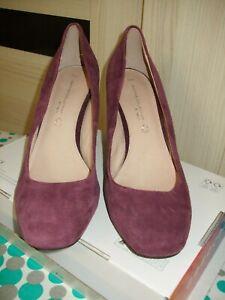 Court Style Shoes. Size UK 7