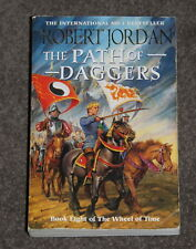 Book by ROBERT JORDAN - THe path of daggers - Book 8 - The wheel of time