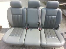 05 Dodge Durango gray leather 2nd row seat