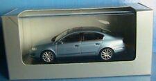 VW VOLKSWAGEN PASSAT B6 SALOON 2005 2.0 TDI CHRYSTAL BLUE MINICHAMPS 1/43 BLAU