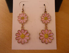 Goudkleurige lange oorbellen met roze bloemen madeliefjes NIEUW