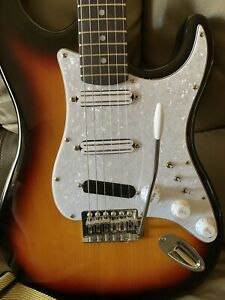 harley benton stratacaster guitar In Excellent Condition