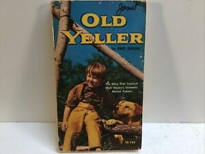 Old Yeller Fred Gipson Paperback 1956 / Disney Cover