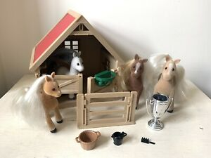 Sylvanian Families Stable With 4 Ponies Jump  Accessories Vintage Buckets