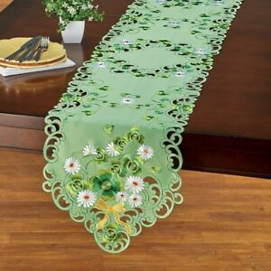 Exquisite Spring Clovers & Daisy Green St. Patrick's Day Polyester Table Runner