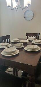 Gibson china dinnerware