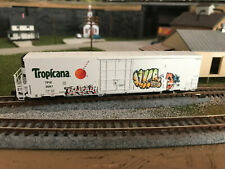 New ListingN Scale Blma 64' Tropicana Reefer #3087 Graffiti Knuckle Couplers