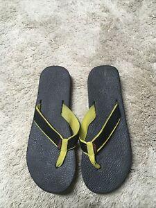 Vintage Sand & Sun Rainbow Layered Flip Flops Thongs Yellow Gray Black Sz.11-12