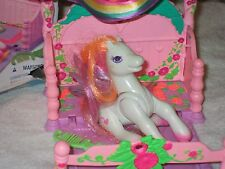Kenner - My Little Pony - Canopy Bed in box with Light Heart pony