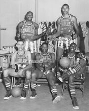 1958 - 59 Wilt Chamberlain Harlem Globetrotters in Dressing 8 X 10 Photo Picture