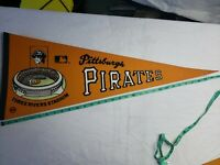 1970's PITTSBURGH PIRATES THREE RIVERS STADIUM MLB PENNANT ~ FULL SIZE