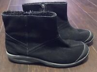 EASY SPIRIT Size 10M Lockdown Suede Leather Black Faux Fur Ankle Bootie EUC