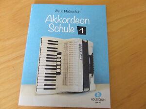 Neue Holzschuh Akkordeon Schule Band 1      VHR 401