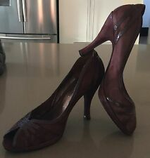 Gorgeous  ENZO ANGIOLINI Brown Suede Patent Trim Open Toe Stiletto Heels Size 9W