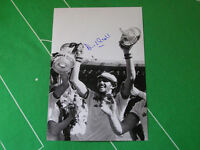West Ham United David Cross Signed 1980 FA Cup Final Trophy Photograph