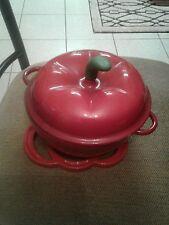 Technique Cast Iron Enamel 2 qt Apple Dutch-Oven w cast iron red hot plate