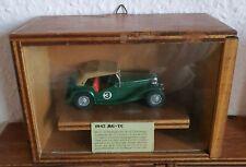 Matchbox Sammlerstück 1945 MG-TC von 1977 im selbstgebauten Holzkasten
