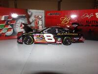 1/24 DALE EARNHARDT JR #8 BUDWEISER / DAVE MATTHEWS  2004 ACTION NASCAR DIECAST