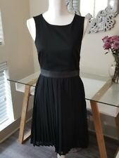 H&M Sleeveless Pleated Dress Back Cut Out Black with Faux Leather Women Size 8