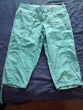 Ladies green cropped summer trousers size 8 Peacocks