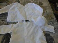 lot , mignonnes brassiéres anciennes    poupée, poupon  et bonnet ancien  blanc