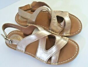 Clarks Artisan Gold Leather Flat Sandals Size 5 Wide fit E ~Brand New
