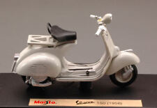 Vespa 150 Piaggio 1956 Cream 1:18 Model 3134 MAISTO