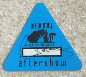 Brian May SIGNED Aftershow back stage pass QUEEN solo press pass sticker