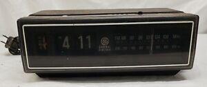GE General Electric - 7-4305F -Woodgrain Night Stand Flip Clock - Tested - Works