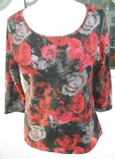 RED ROSE DESIGN FITTED TOP, SIZE 10. SALE - £5 ALL IN!