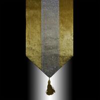 NEW SHINNY BLING SILVER GOLD THICK VELVET TASSEL WEDDING BED TABLE RUNNER CLOTH