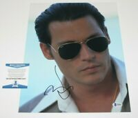 ACTOR JOHNNY DEPP SIGNED 'DONNIE BRASCO' 11x14 MOVIE PHOTO BECKETT COA BAS